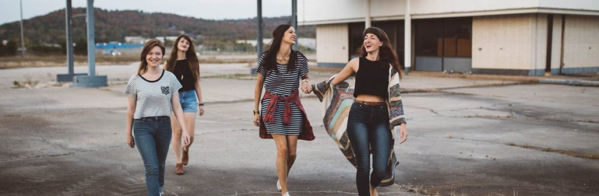 Pass it on to your girlfriends: this is an ode to women's intense friendships