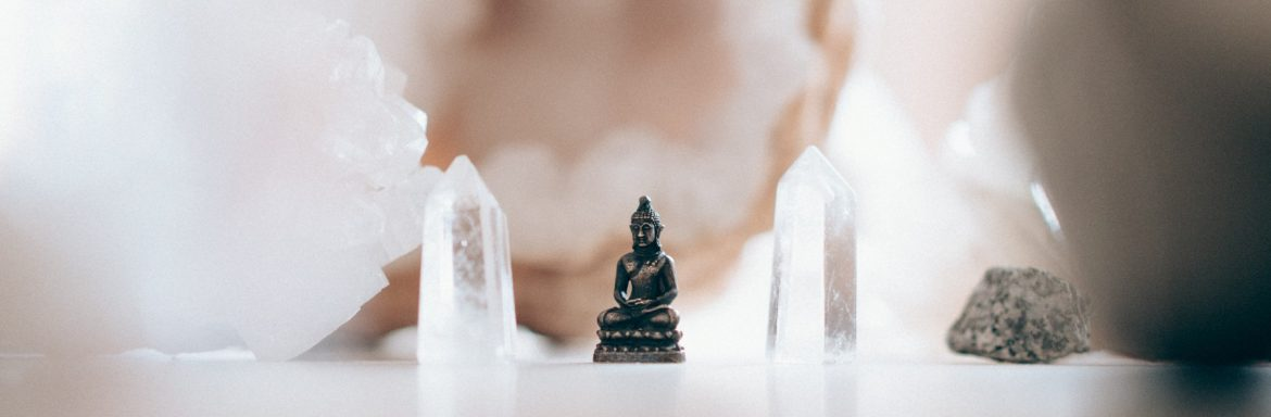 Crystal Affirmations: The Way to Abundance, Self-confidence, Peace & Love